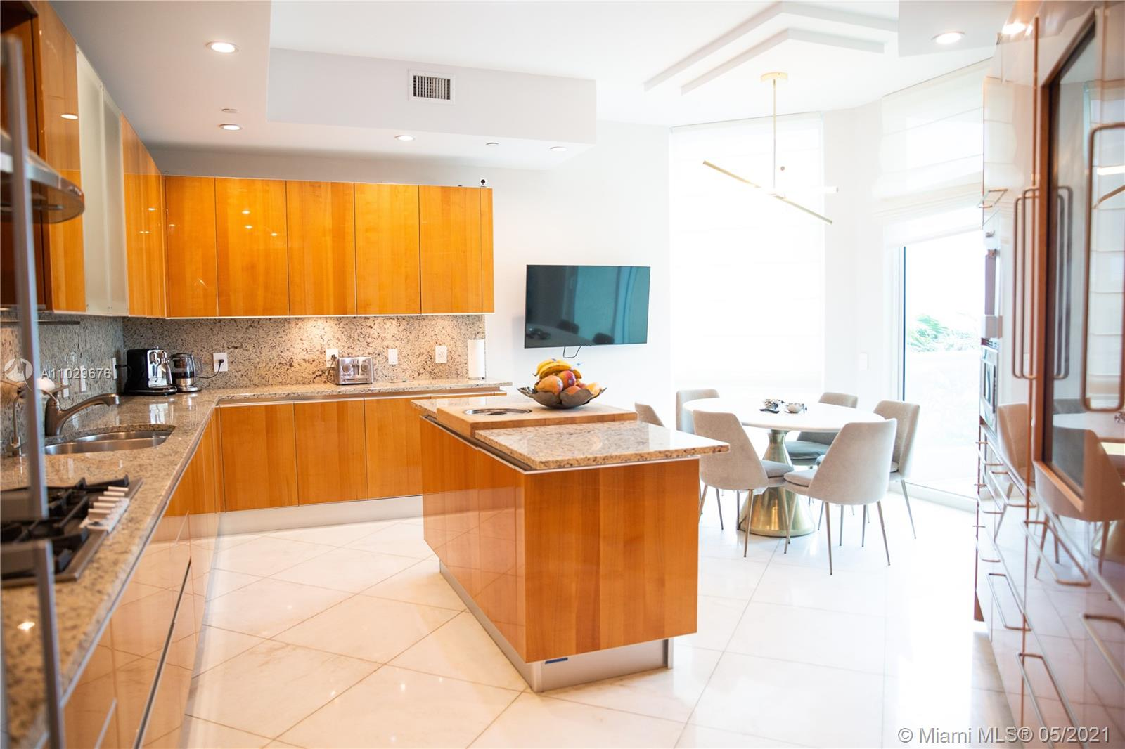 16051 Collins Ave #404 photo013