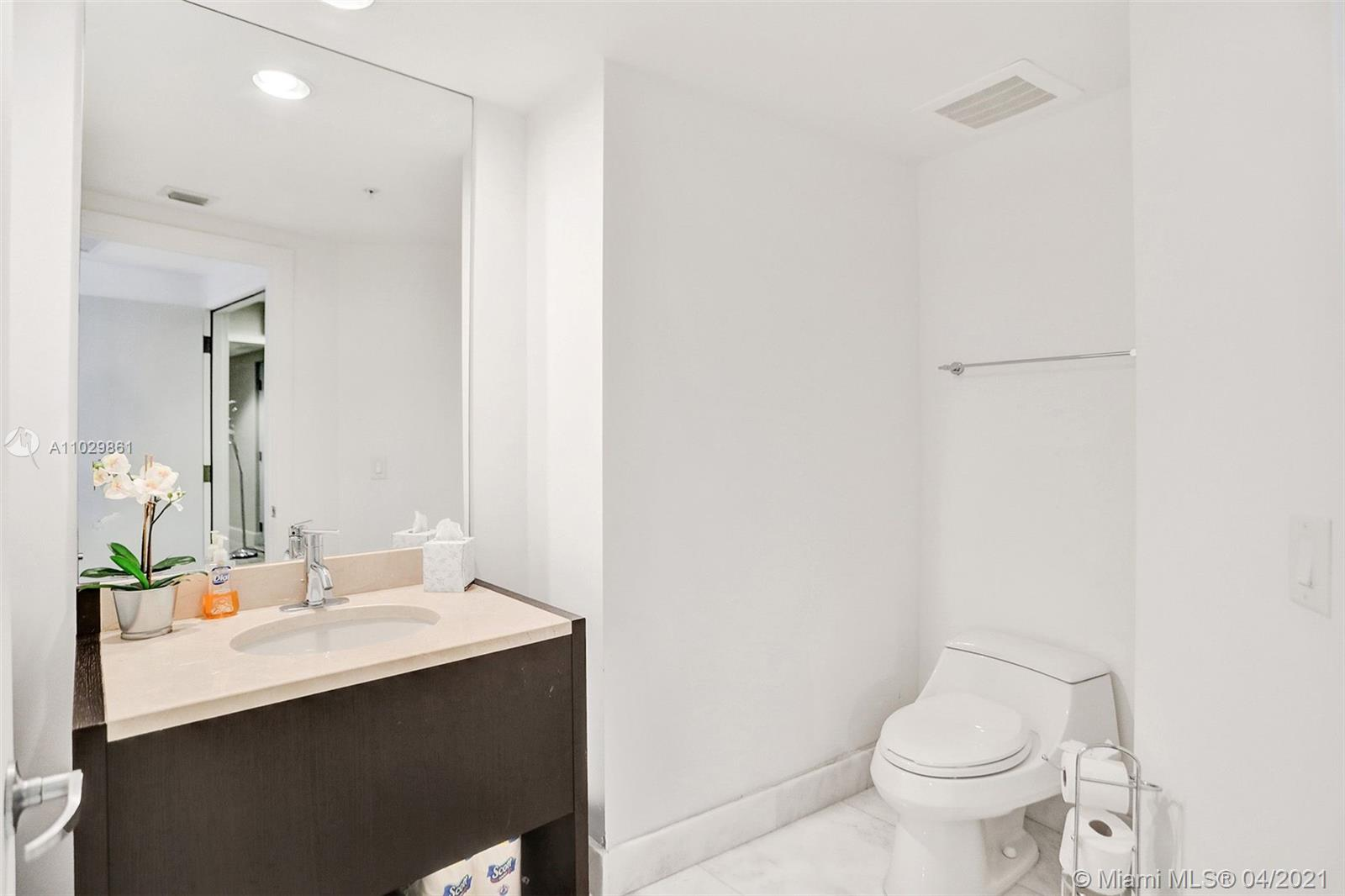 18201 Collins Ave #1504 photo046