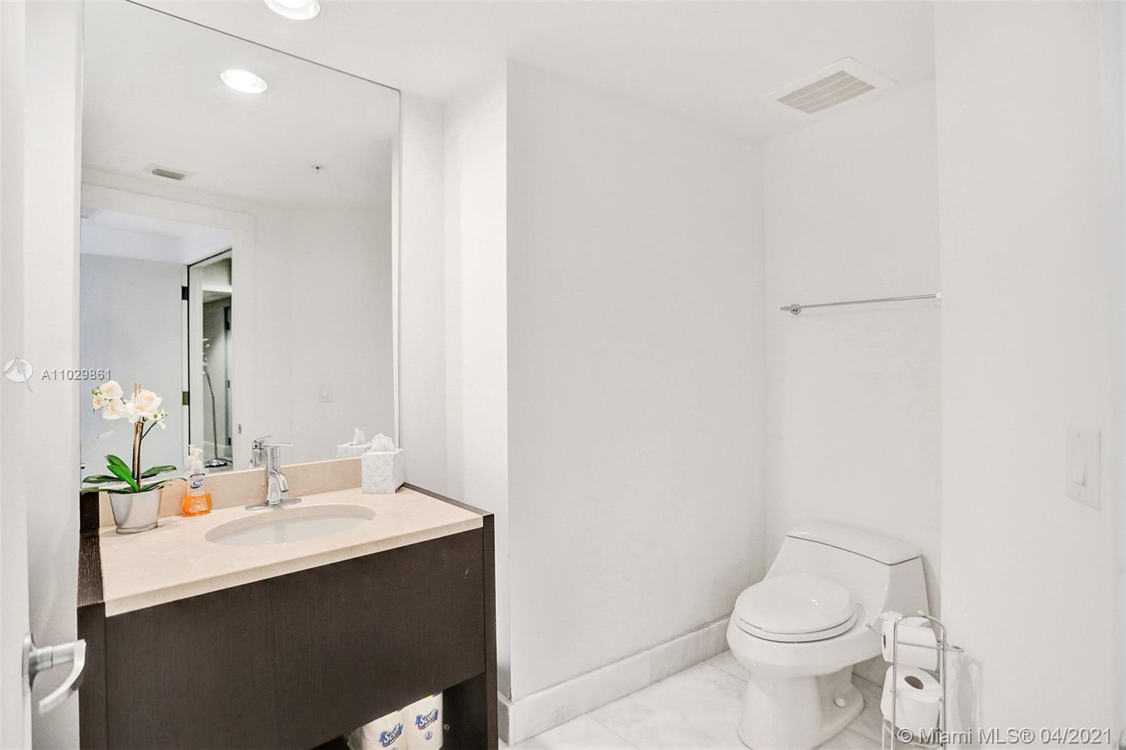18201 Collins Ave #1504 photo047