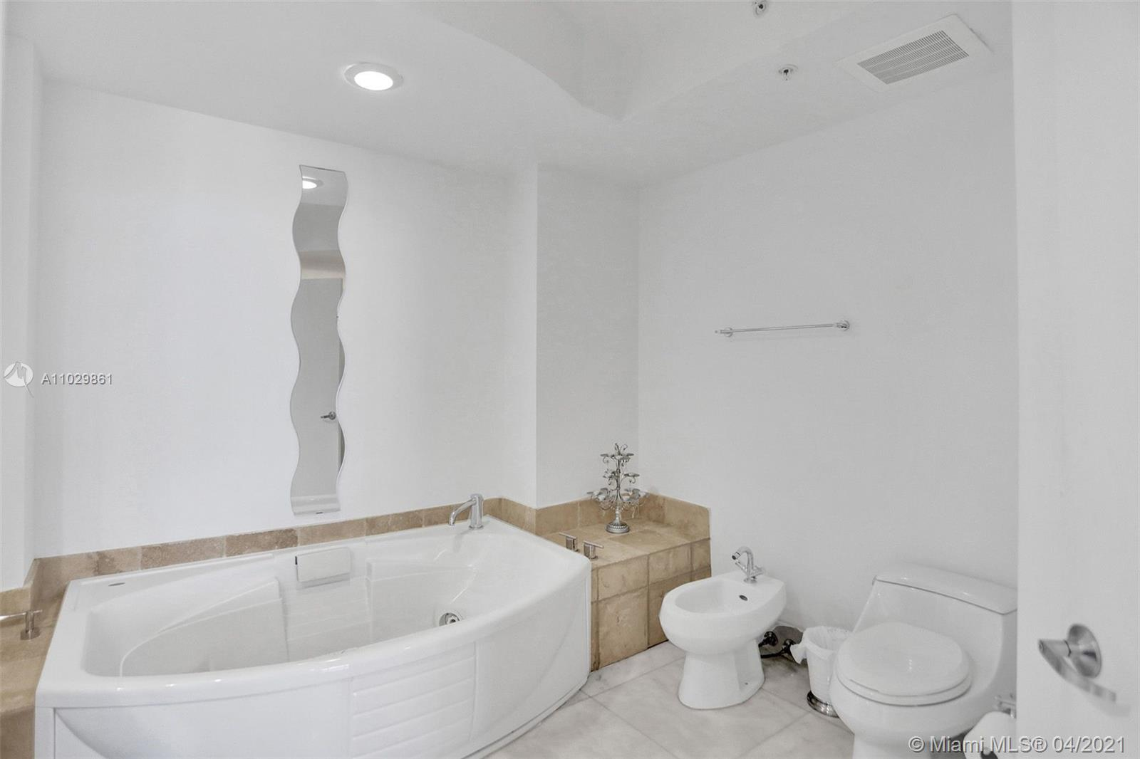 18201 Collins Ave #1504 photo014