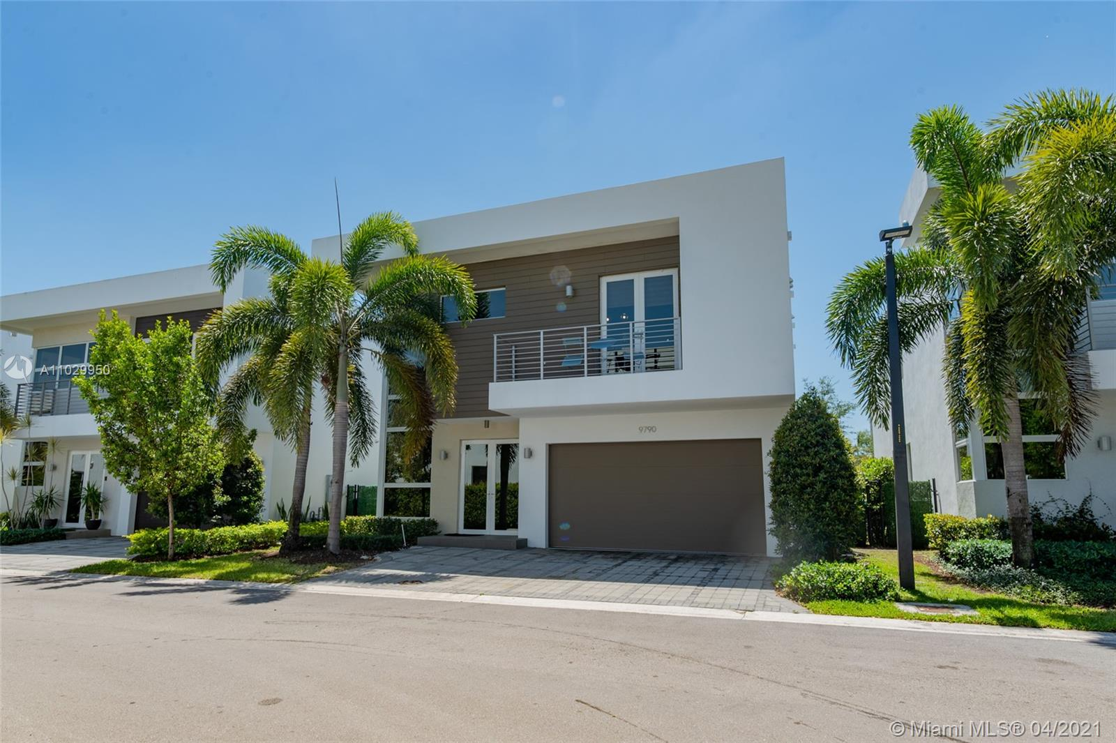 Doral Commons Residential - 9790 NW 74th Ter, Doral, FL 33178