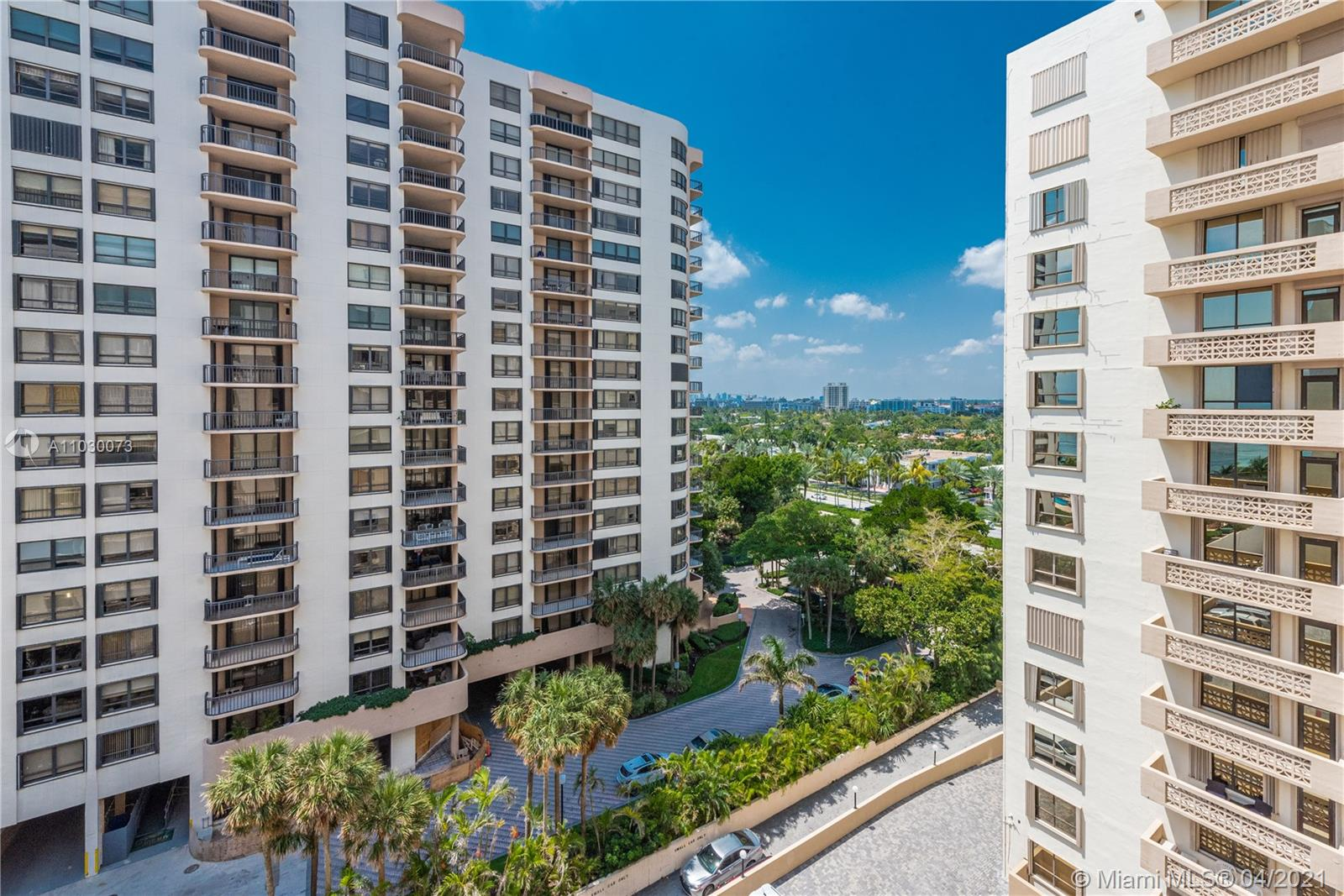 10185 Collins Ave #1011 photo023