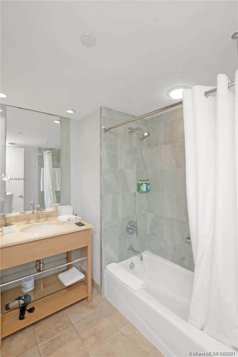 18683 Collins Ave #1509 photo021