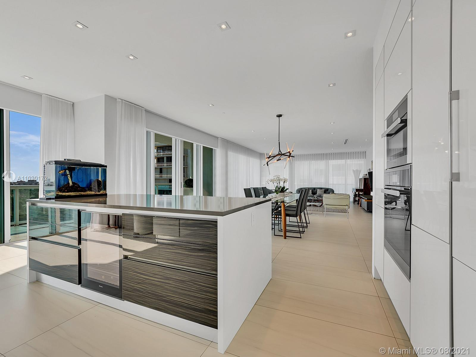 10101 Collins Ave #7A photo019