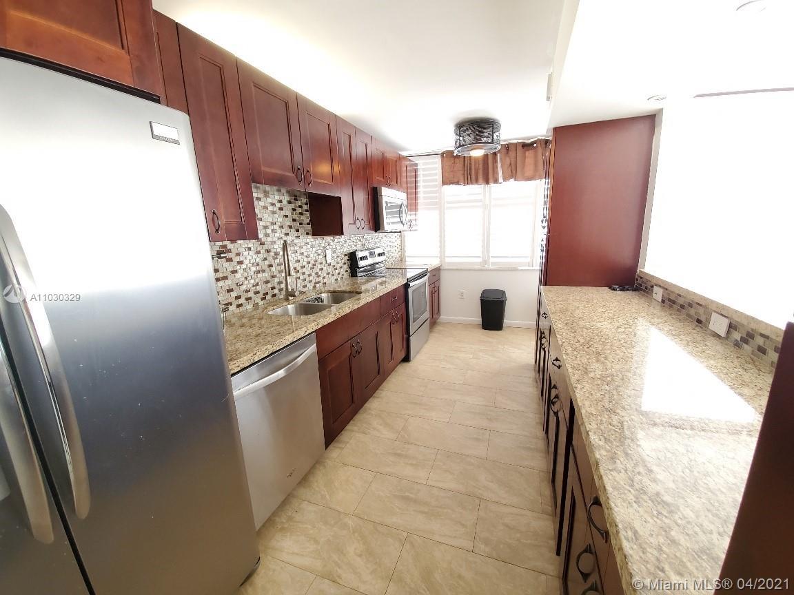 Del Prado #301 - 18061 Biscayne Blvd #301, Aventura, FL 33160