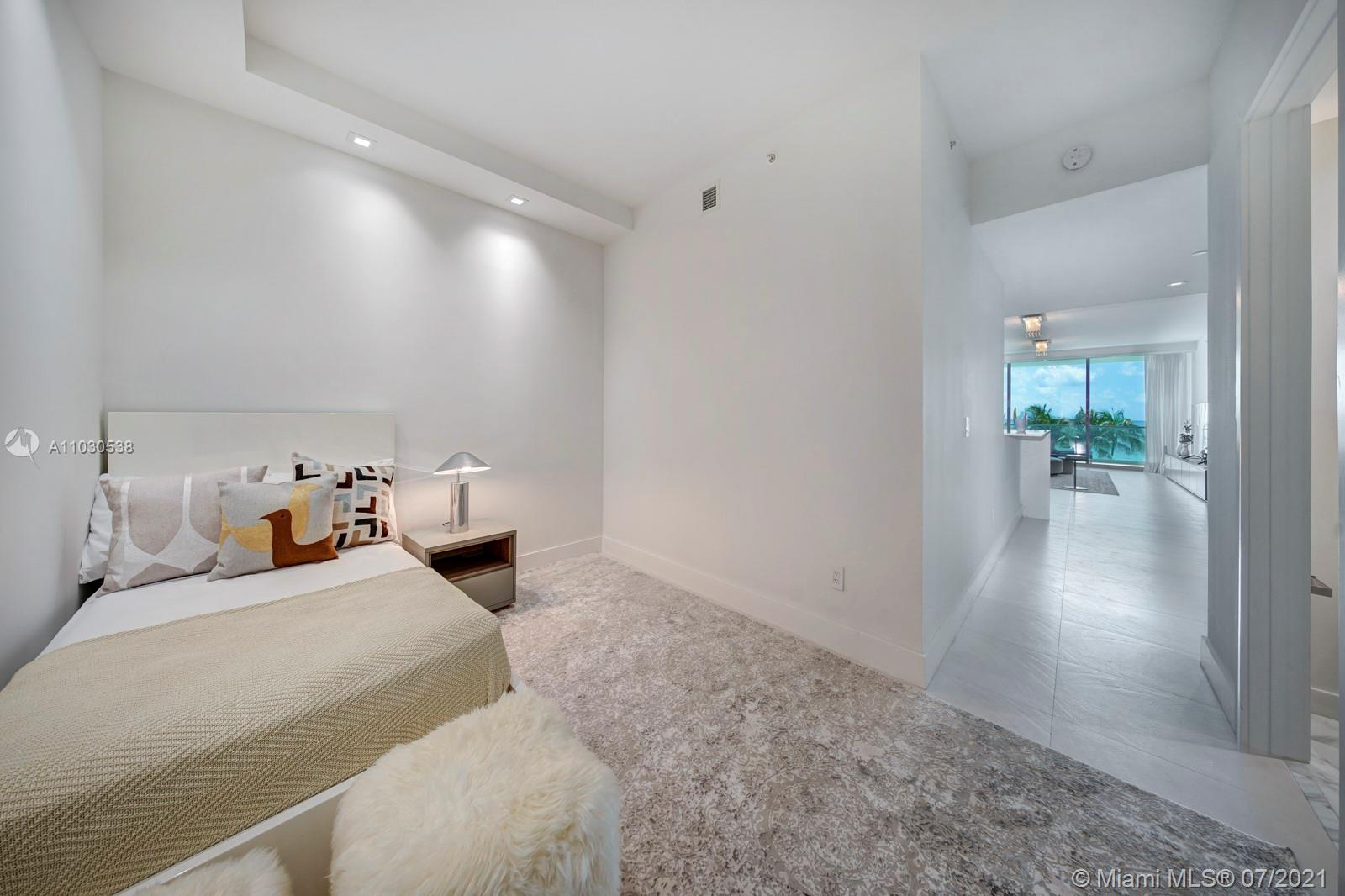 10203 Collins Ave #303 photo020