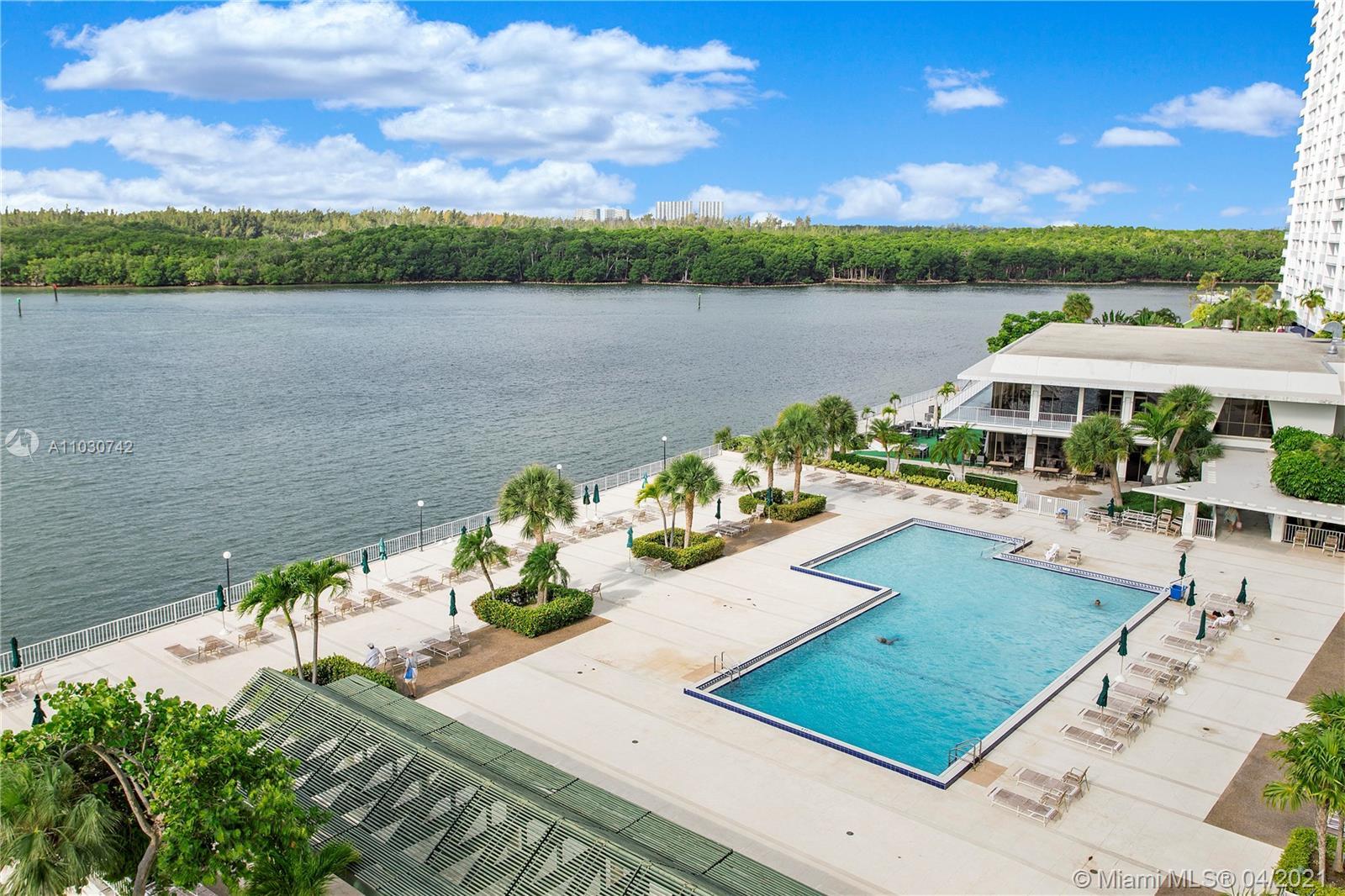 Arlen House #404 - 300 Bayview Dr #404, Sunny Isles Beach, FL 33160
