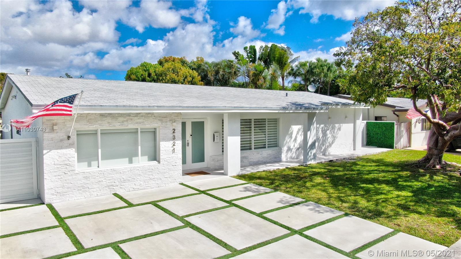 Enchanted Lake - 2321 NE 192nd St, Miami, FL 33180