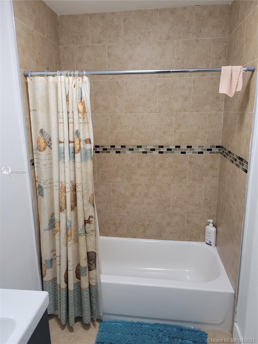 7625 Granada Blvd photo014