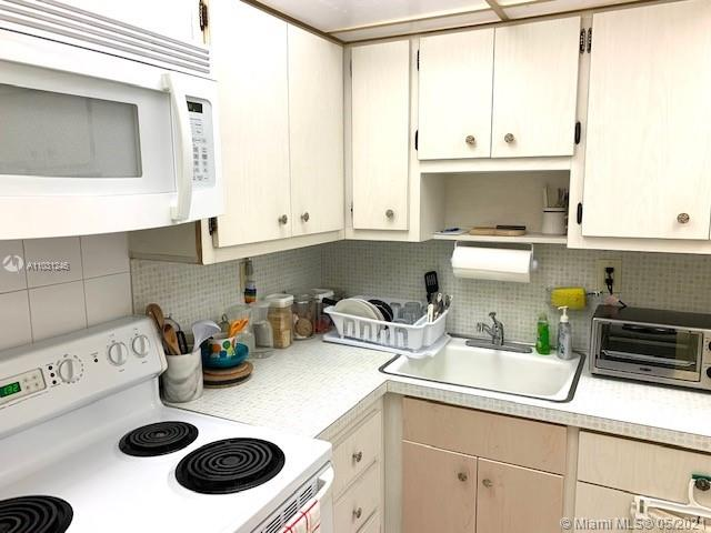 2899 Collins Ave #544 photo03