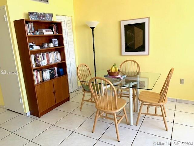 2899 Collins Ave #544 photo05