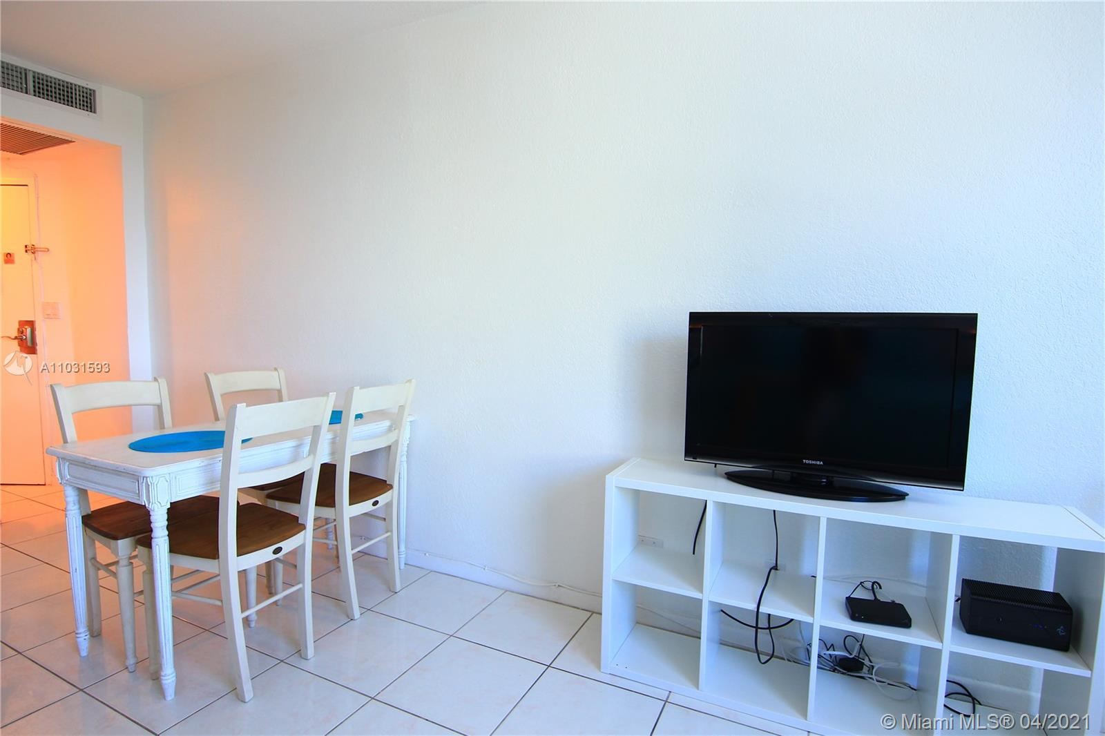 5445 Collins Ave #418 photo05