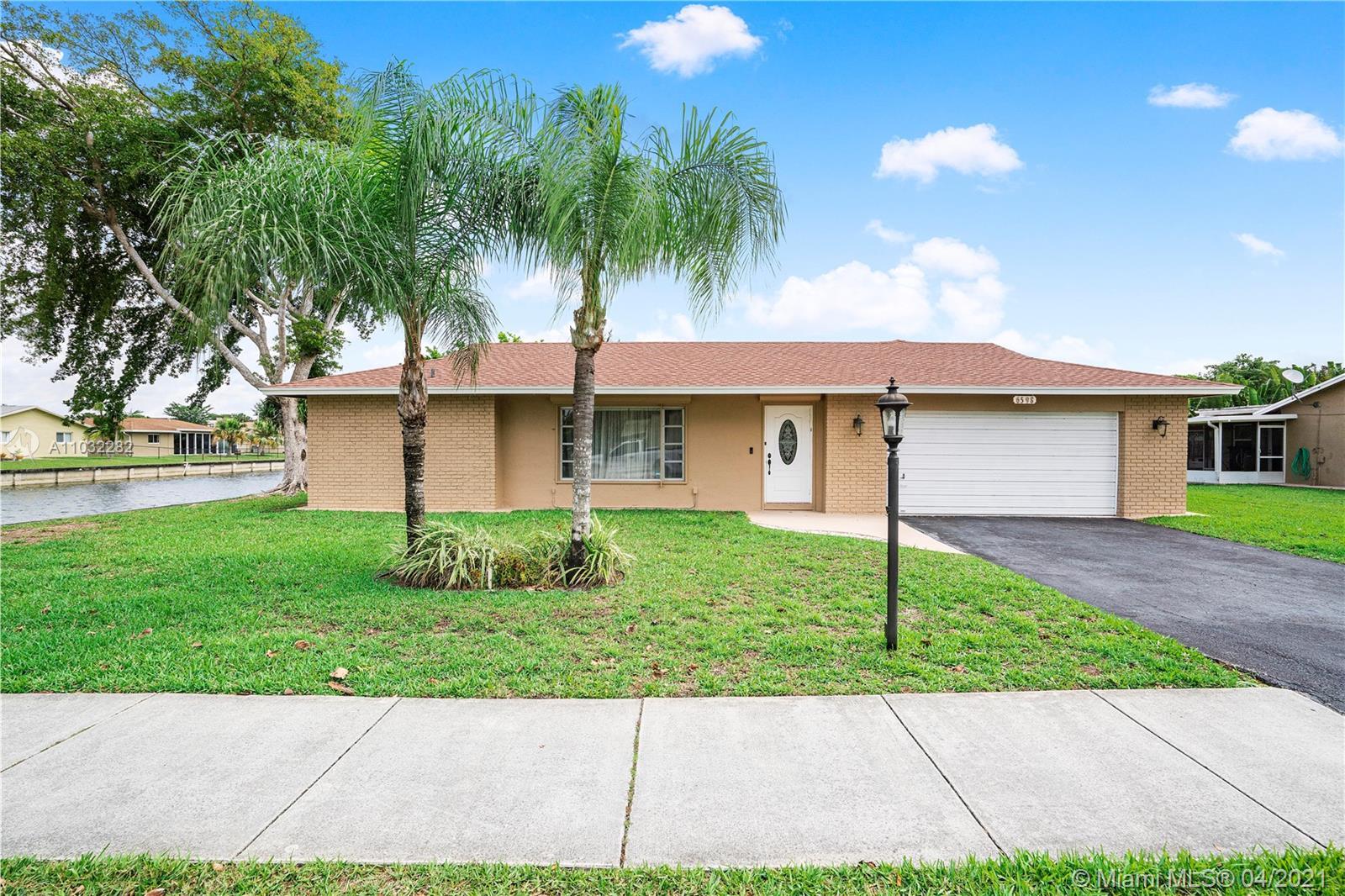 Property for sale at 6598 Westwood Blvd W, Tamarac,  Florida 33321