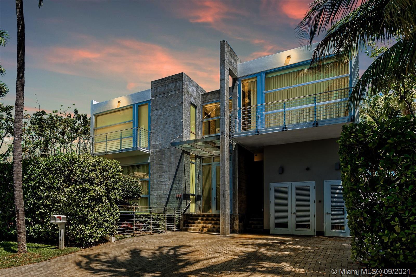 Tropical Isle Homes - 155 Hampton Ln, Key Biscayne, FL 33149