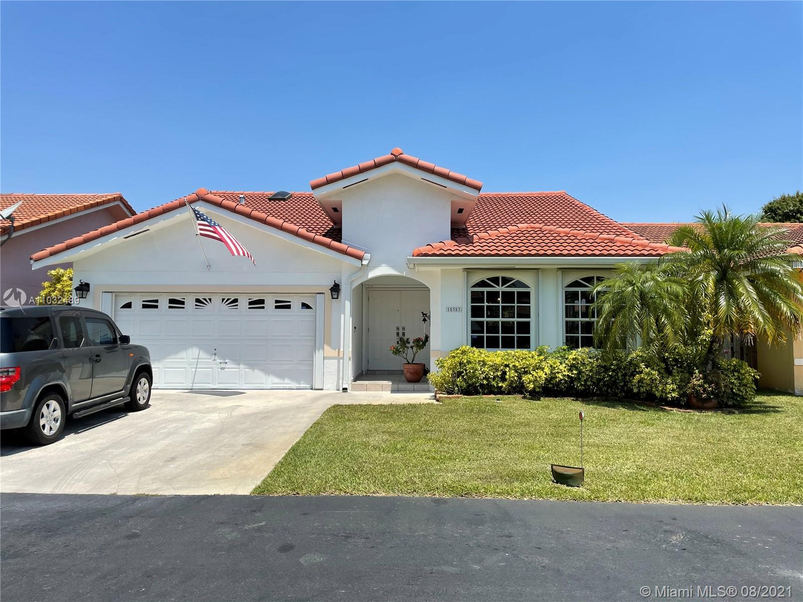 Lakes Of The Meadow - 15353 SW 42nd Ter, Miami, FL 33185
