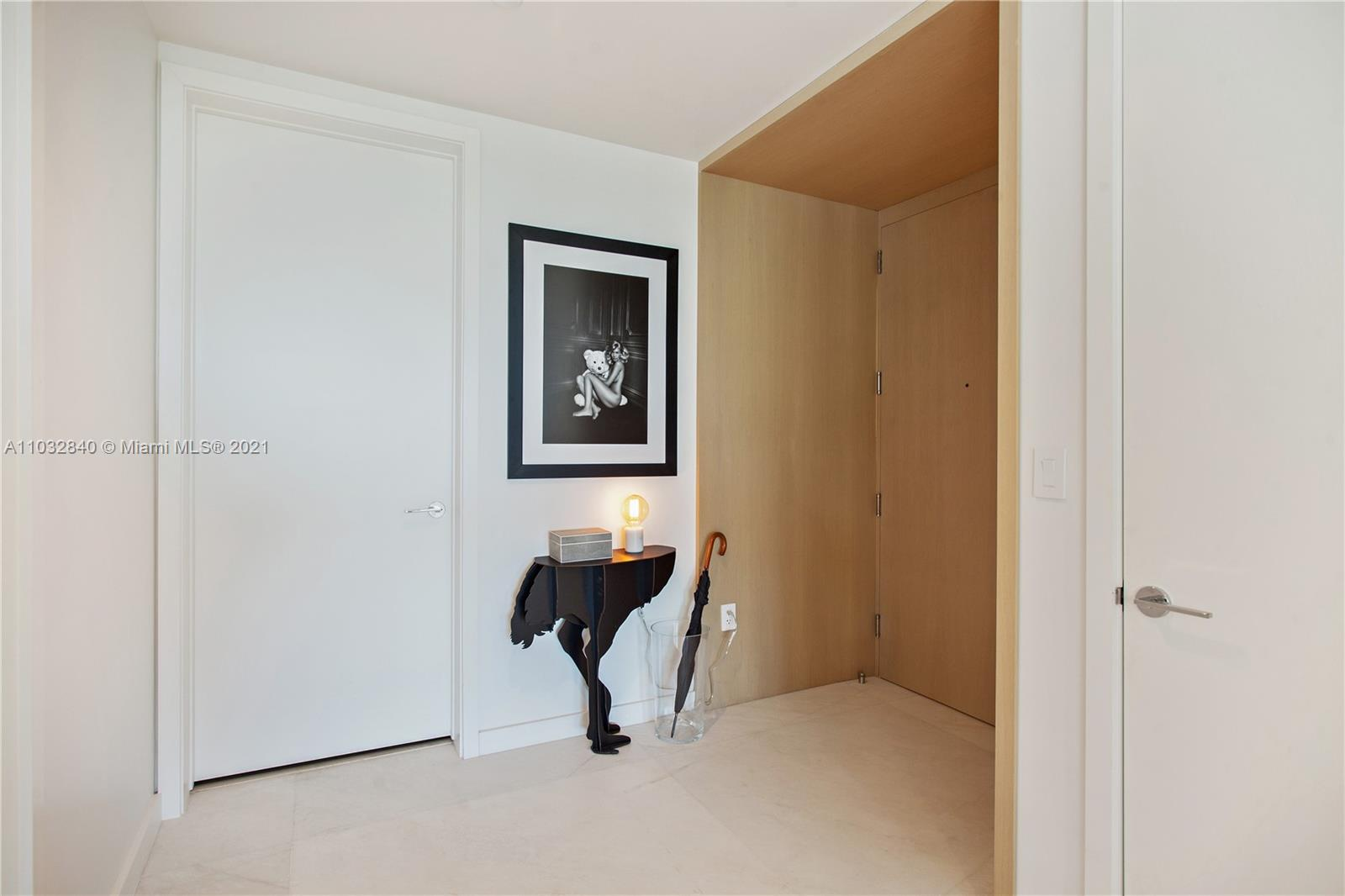 10203 Collins Ave #211 photo02