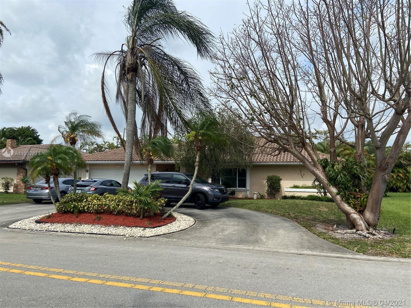 Property for sale at 698 NW 106th Ave, Coral Springs,  Florida 33071