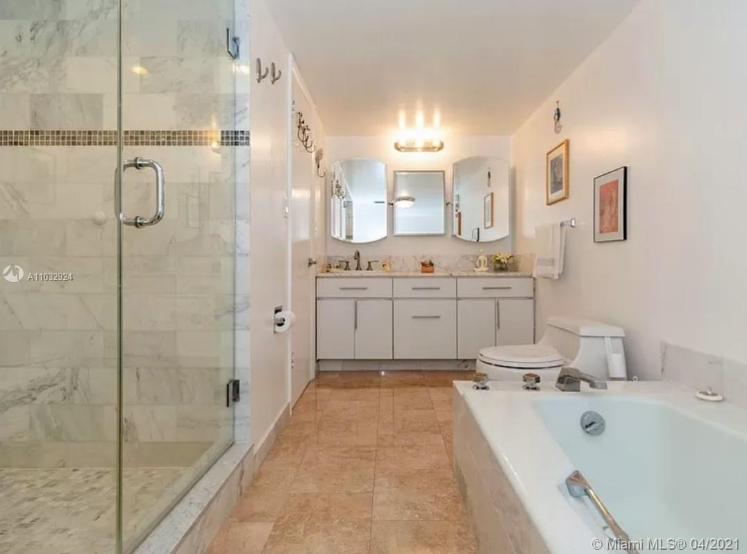 6423 Collins Ave #401 photo08