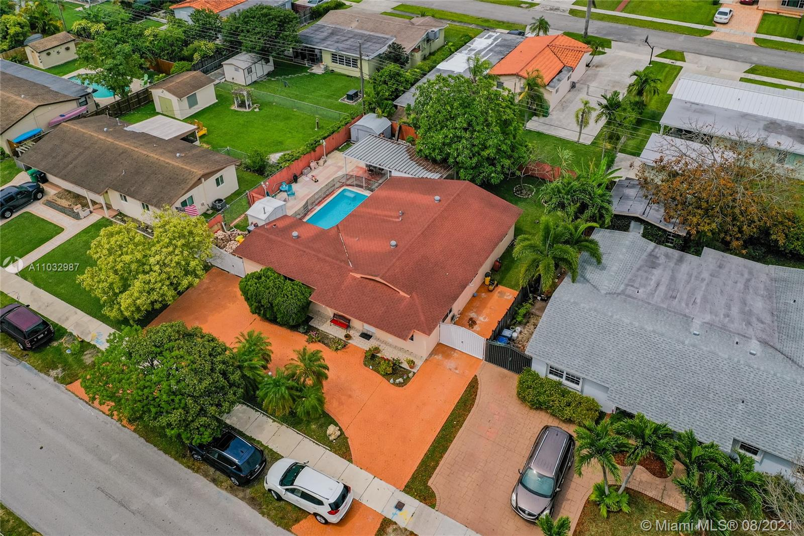 Snapper Creek - 10851 N Snapper Creek Dr, Miami, FL 33173