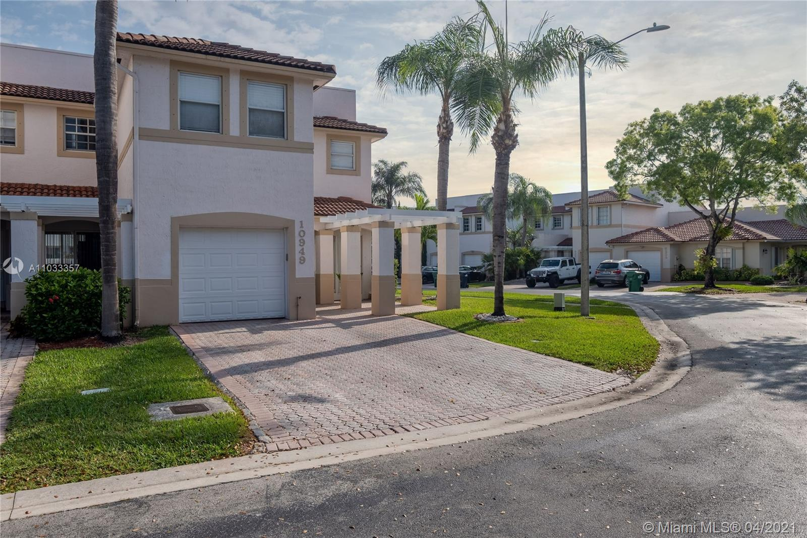10949 NW 62nd Ter #10949 photo02