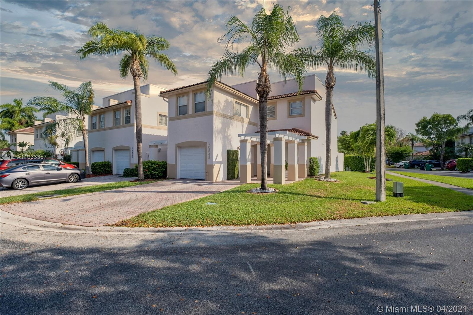 10949 NW 62nd Ter #10949 photo04