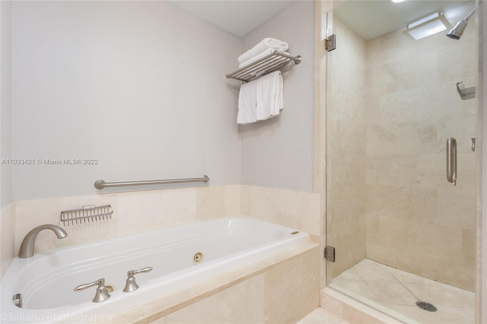 4401 Collins Ave #1106 photo023