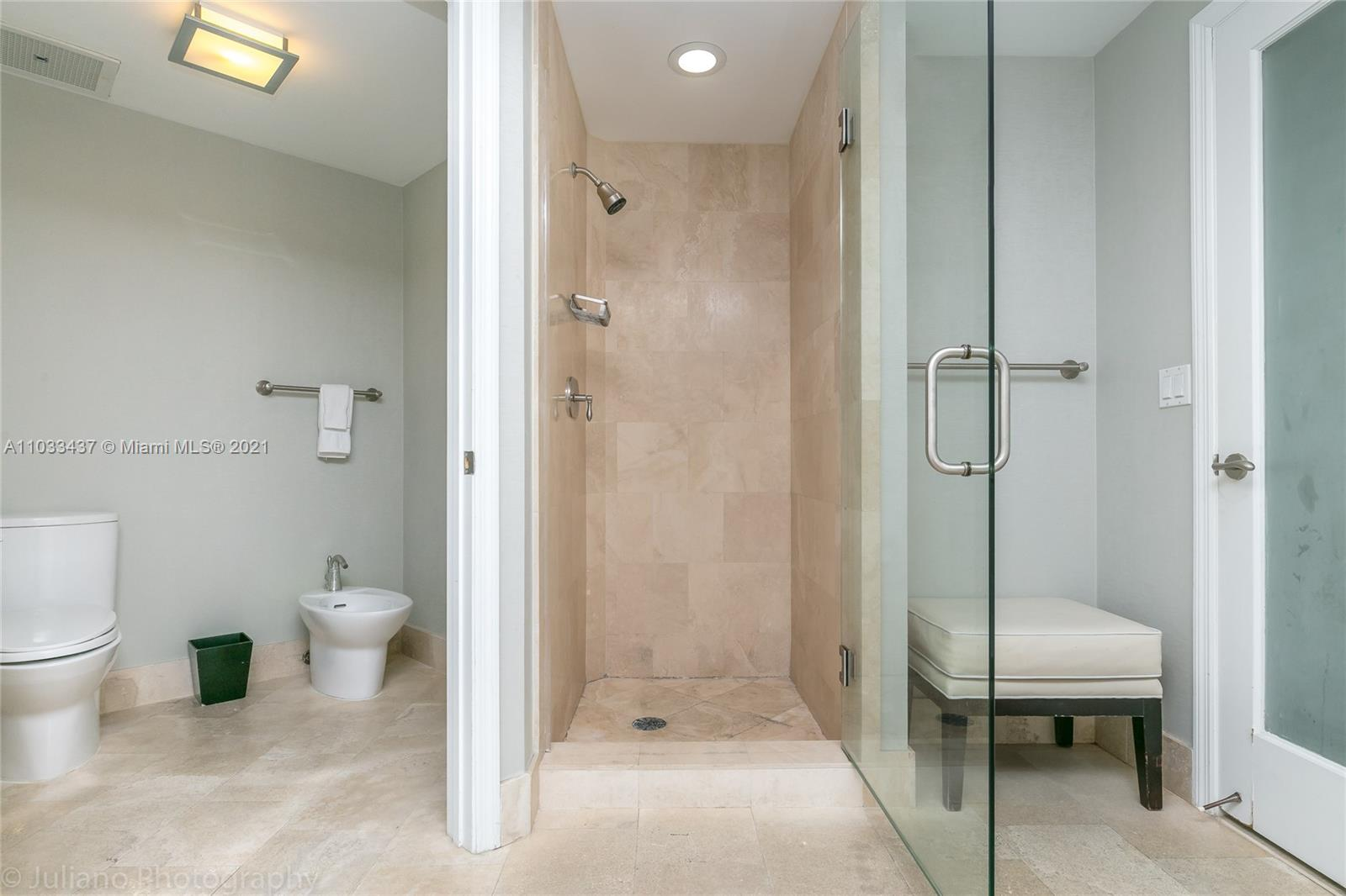 4401 Collins Ave #1104 photo022