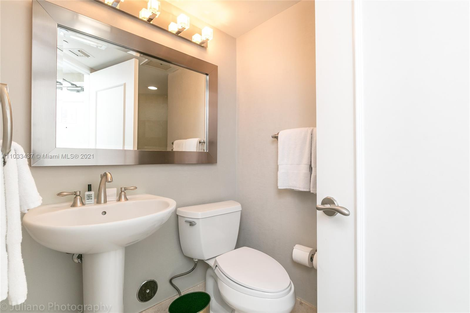 4401 Collins Ave #1104 photo025