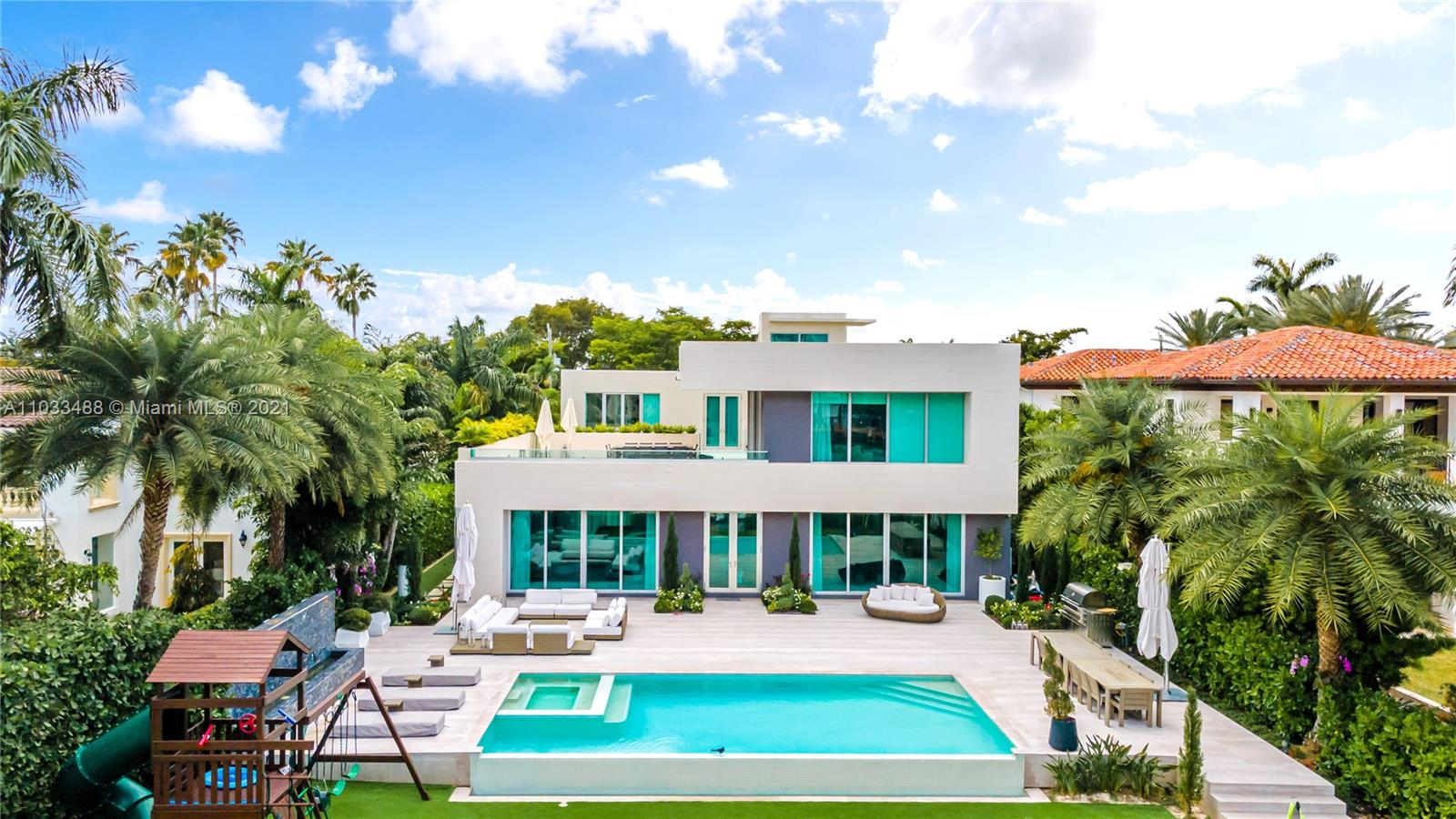 Beach View - 5711 Pine Tree Dr, Miami Beach, FL 33140