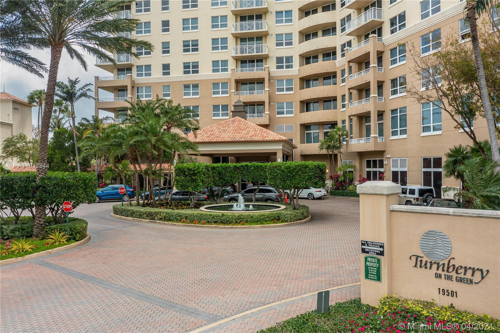 Turnberry on the Green #613 - 19501 W Country Club Dr #613, Aventura, FL 33180