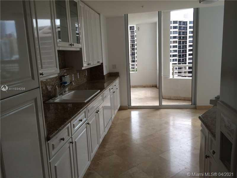 848 Brickell Key Dr #1005 photo05
