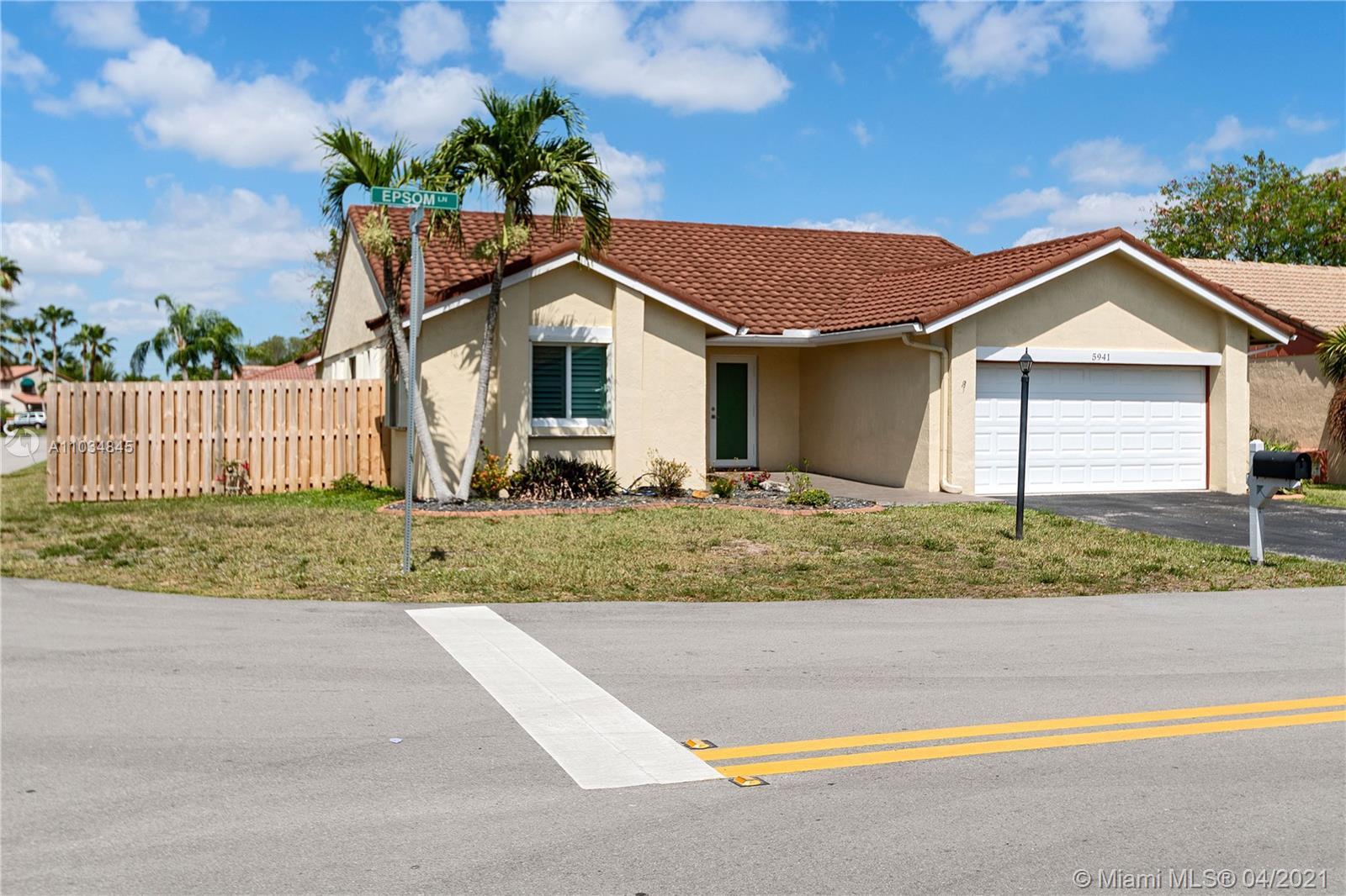 Hawkes Bluff - 5941 Epsom Ln, Davie, FL 33331