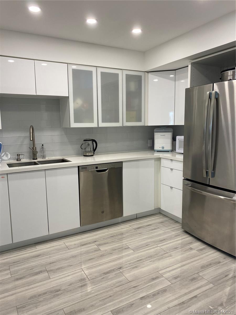 Arlen House #521 - 100 Bayview Dr #521, Sunny Isles Beach, FL 33160