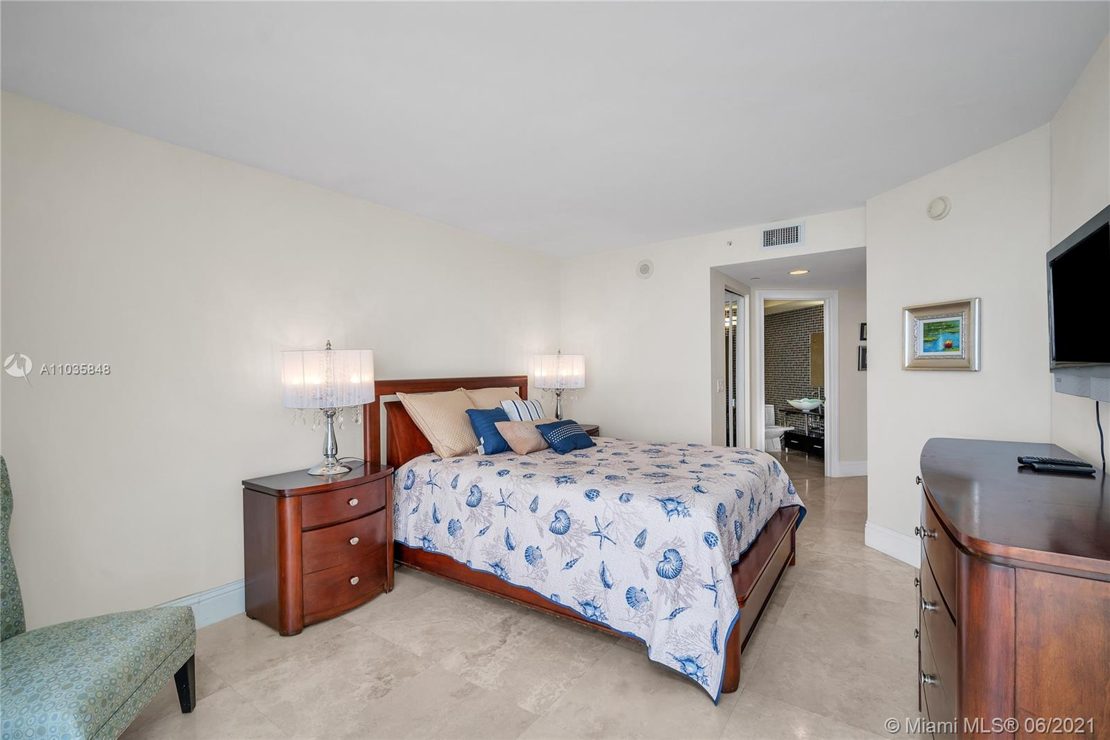 6365 Collins Ave #4501 photo028