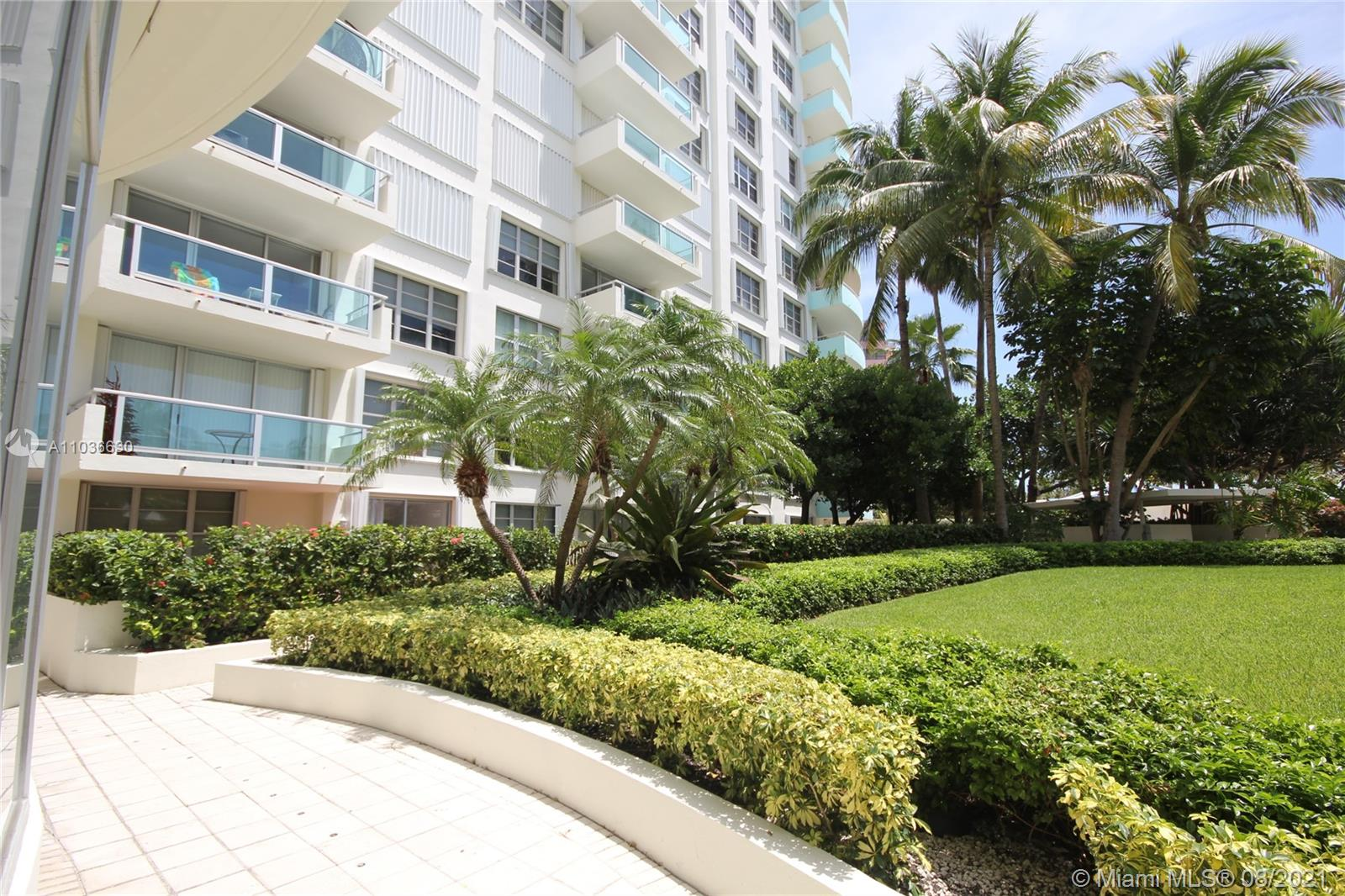 5151 Collins Ave #1520 photo047