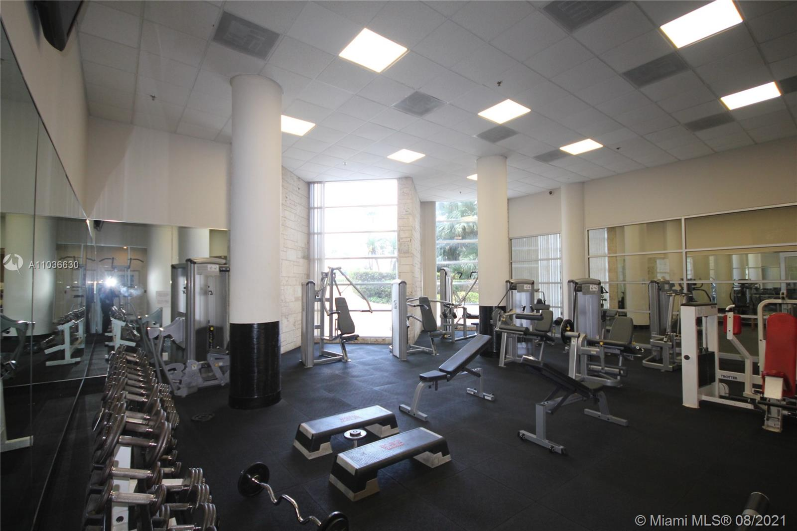 5151 Collins Ave #1520 photo04
