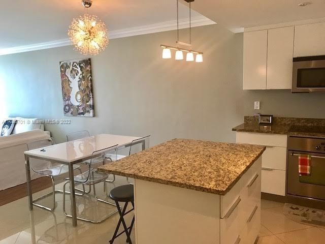 19390 Collins Ave #711 photo02