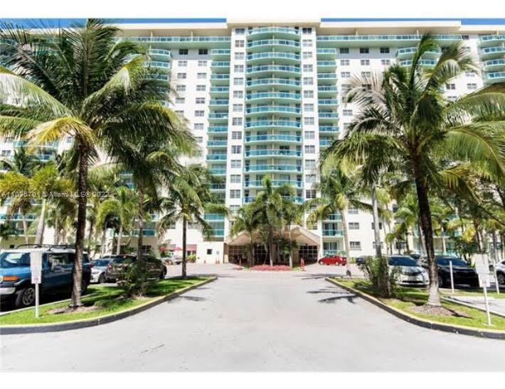 19390 Collins Ave #711 photo026
