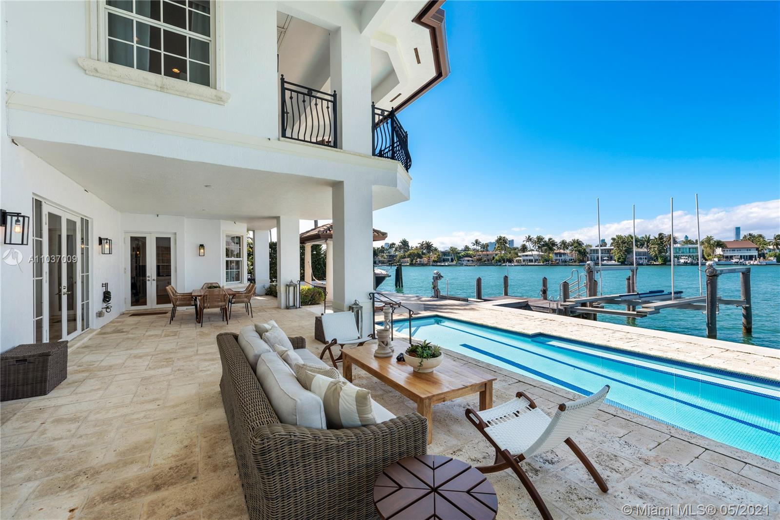 Venetian Islands - 424 W Rivo Alto Dr, Miami Beach, FL 33139