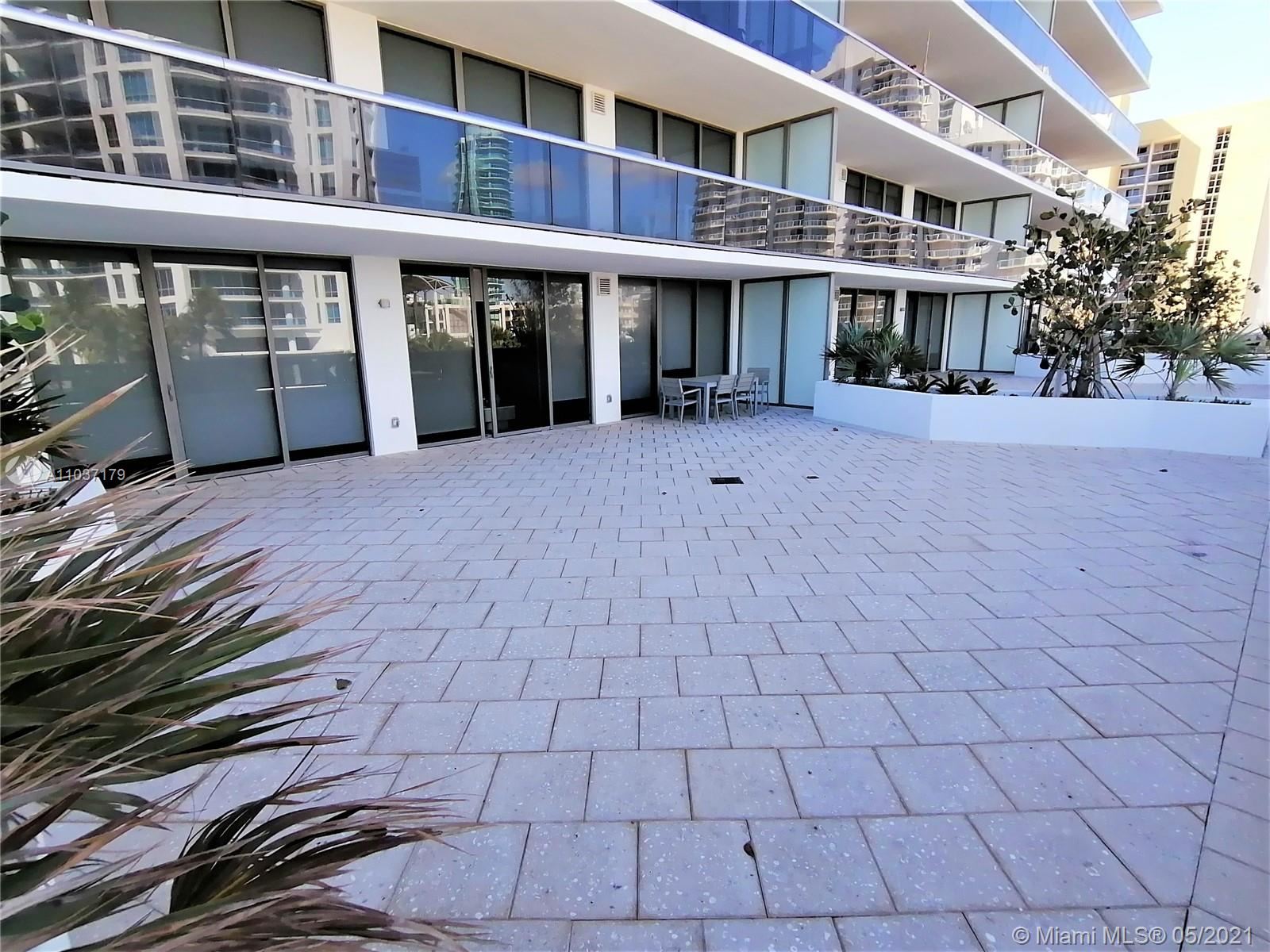 5875 Collins Ave #503 photo04