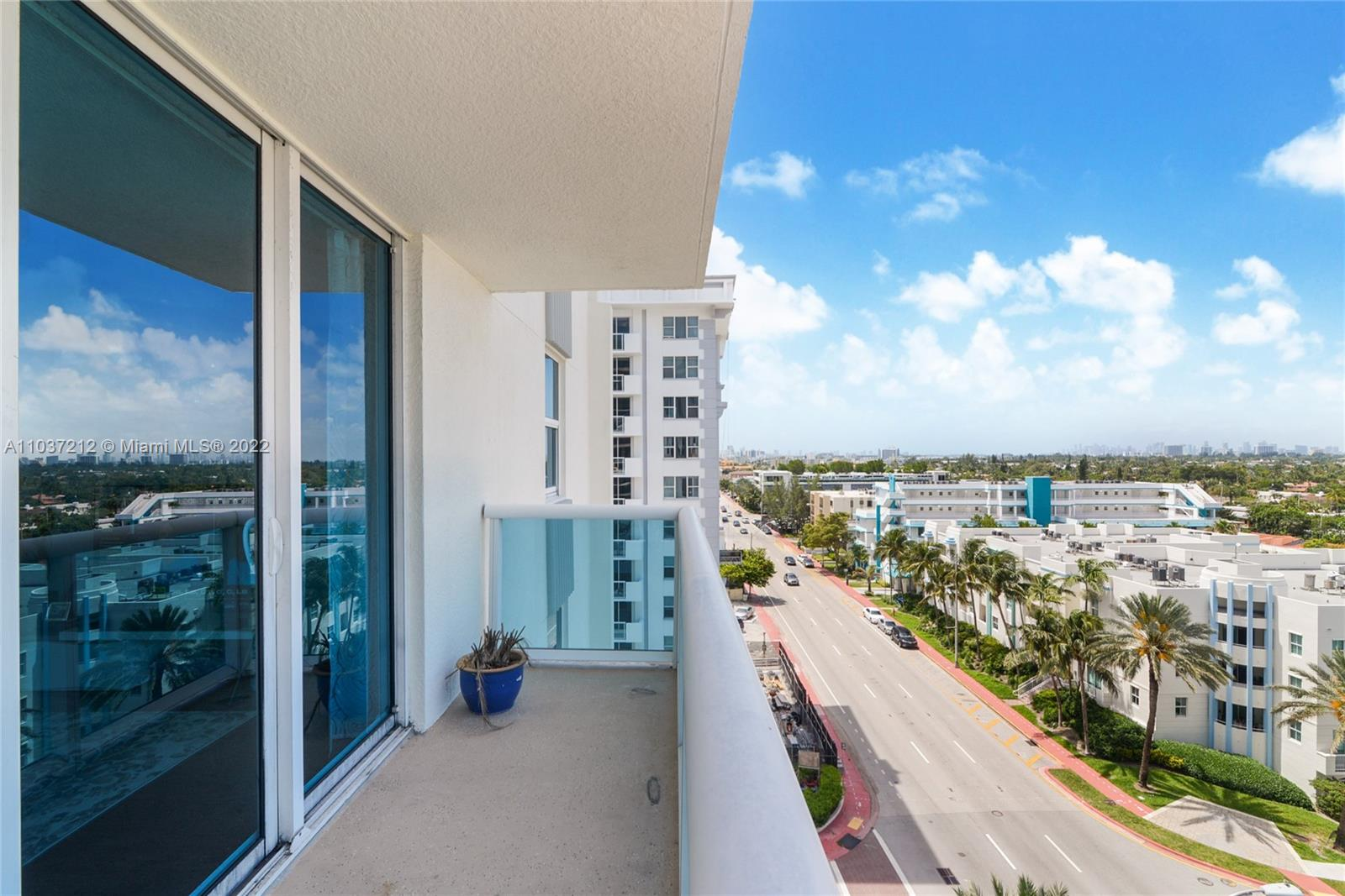9201 Collins Ave #821 photo02