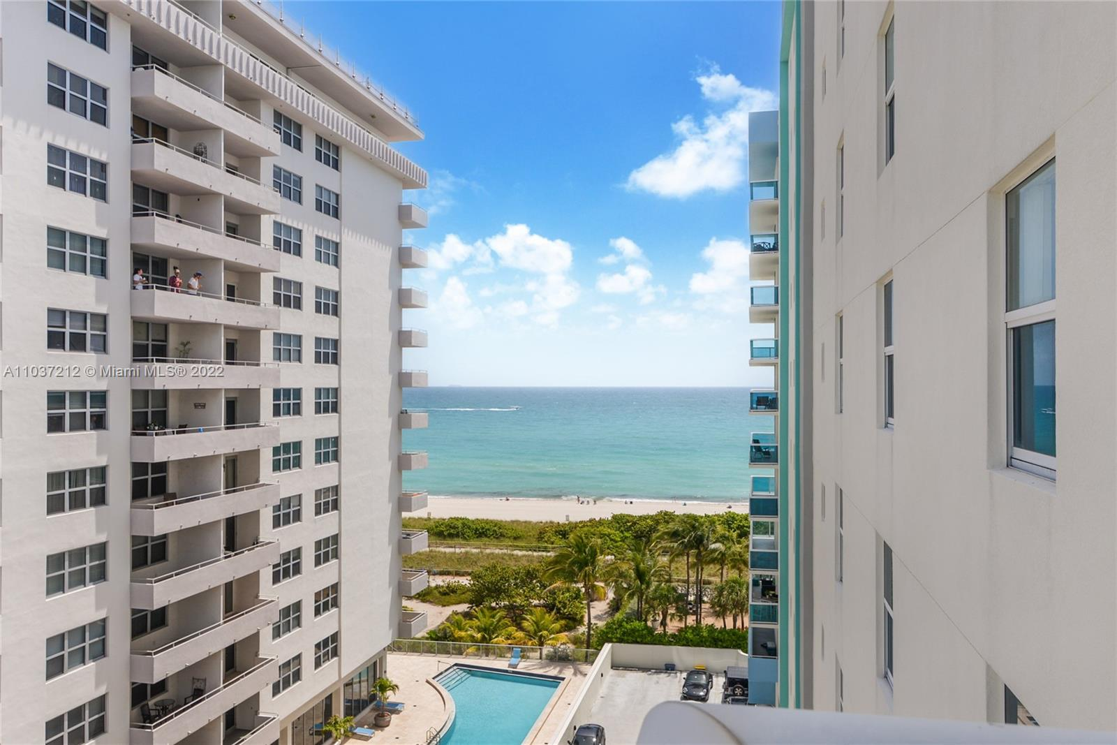 9201 Collins Ave #821 photo01
