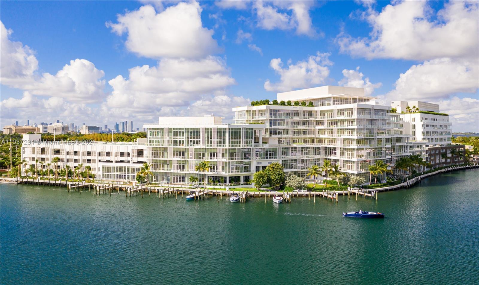 Photo of Ritz Carlton Miami Beach Apt LPH02 that clicks through to the property detail page