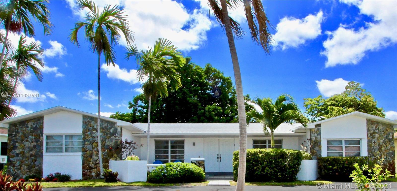Highland Lakes - 21230 NE 19th Ave, Miami, FL 33179