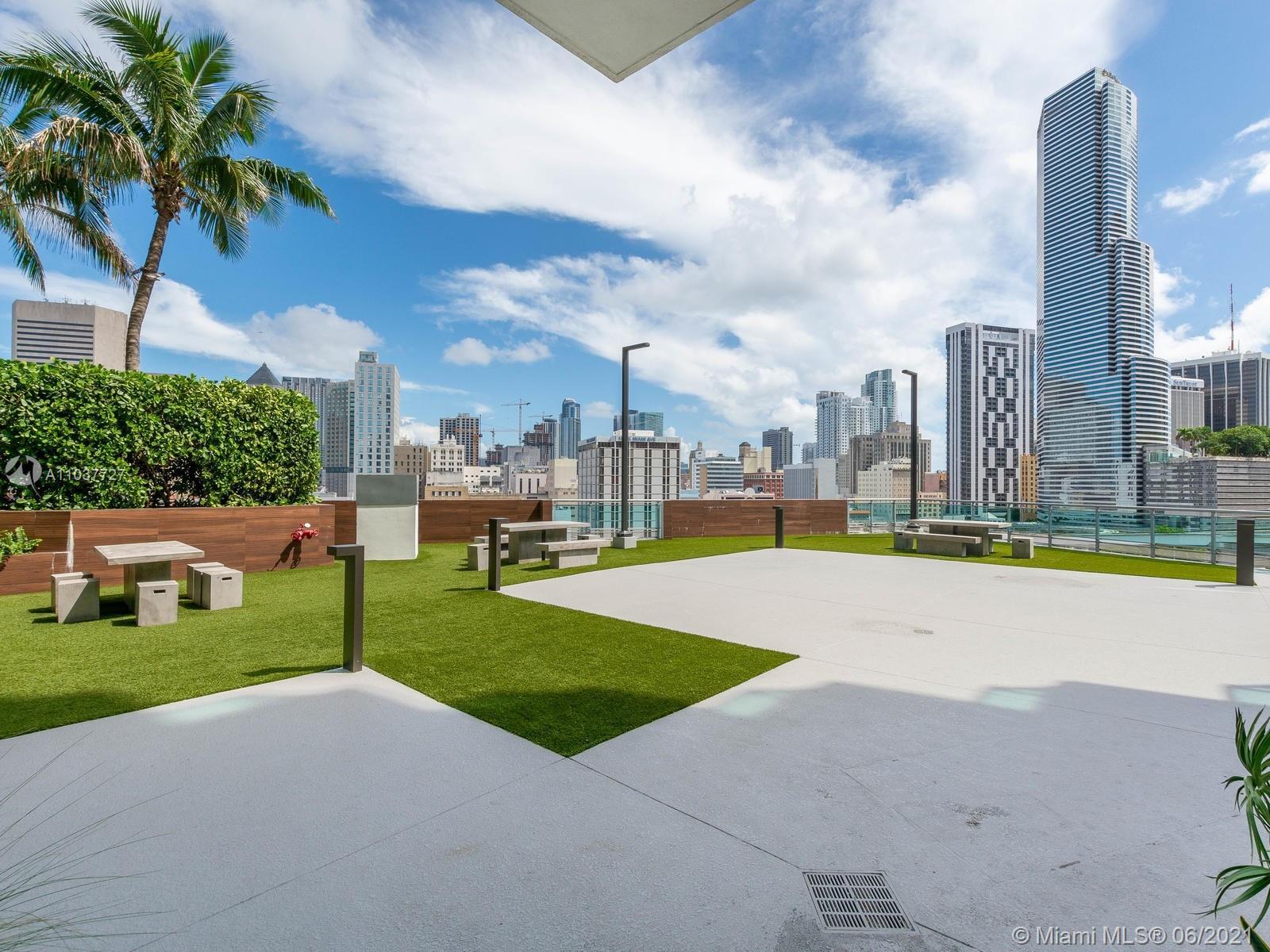 350 S Miami Ave #1504 photo018