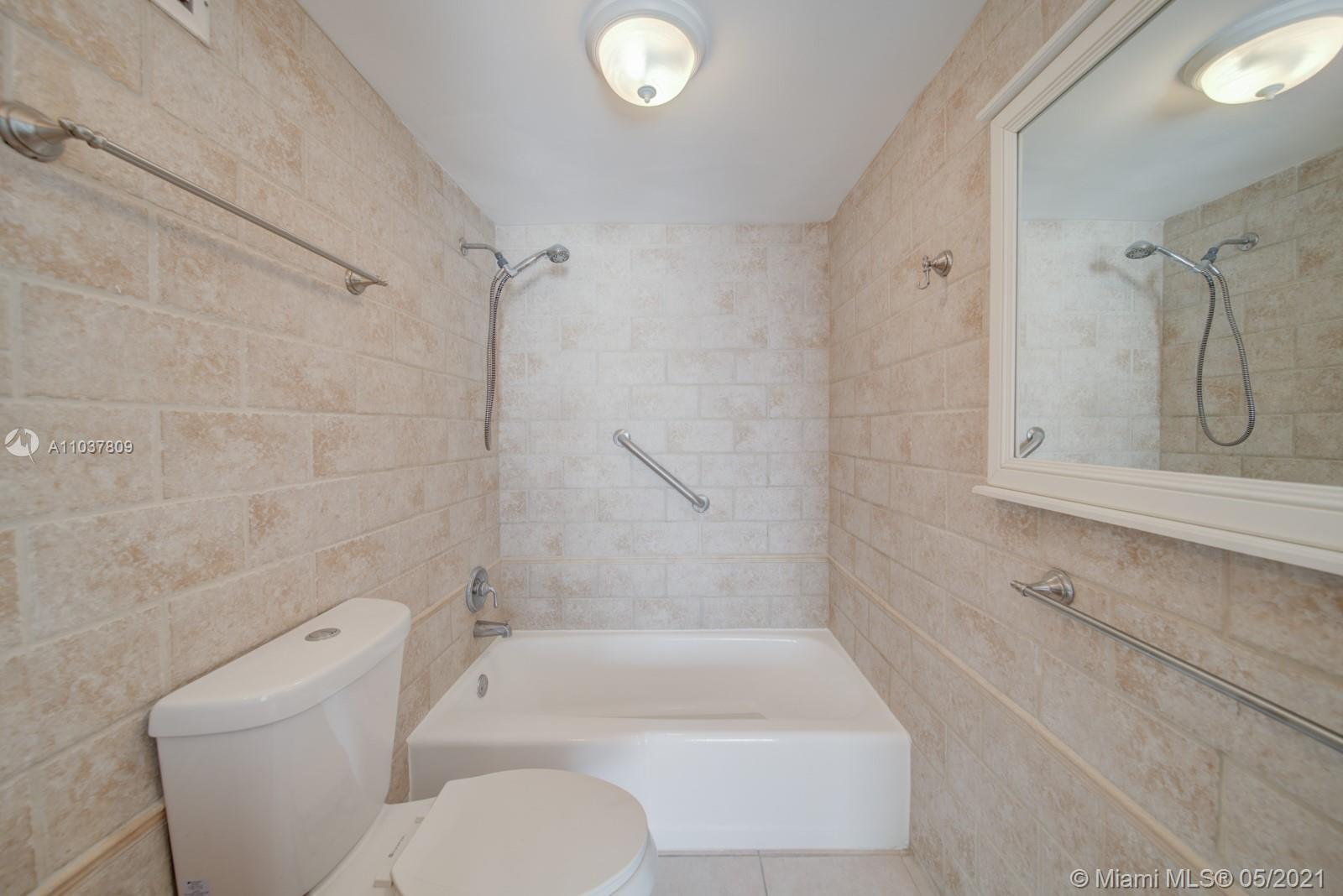 2899 Collins Ave #1043 photo016