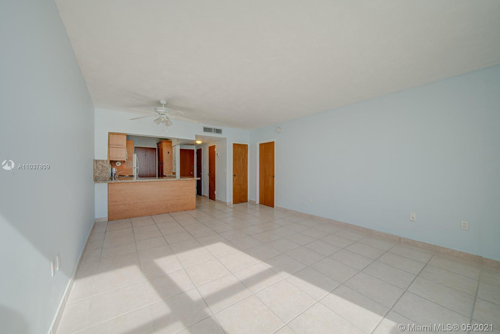 2899 Collins Ave #1043 photo022