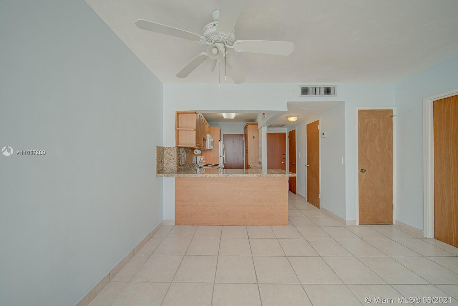 2899 Collins Ave #1043 photo09