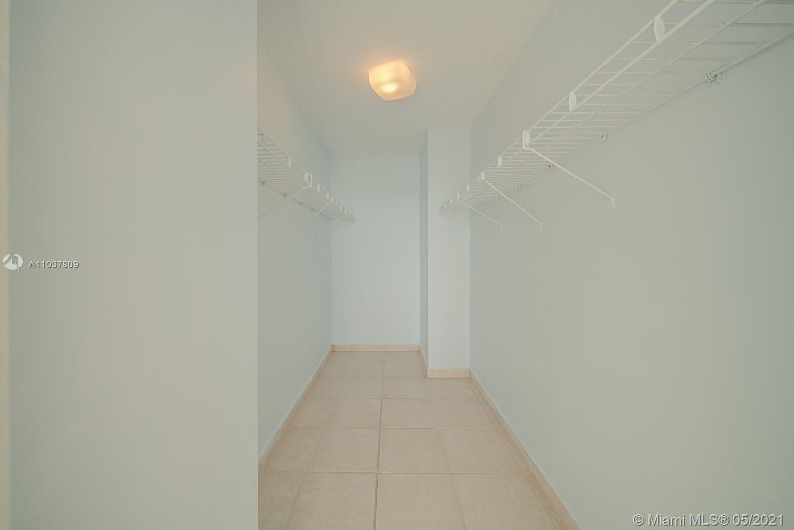 2899 Collins Ave #1043 photo014