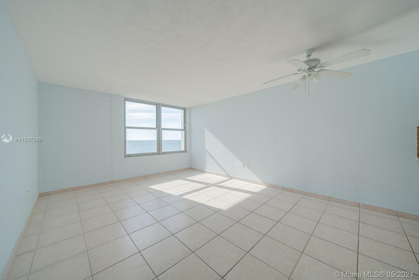 2899 Collins Ave #1043 photo019